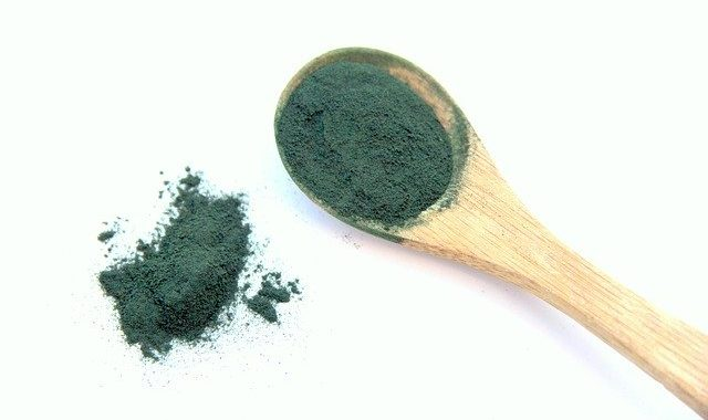Alga spirulina a cosa serve, benefici, controindicazioni